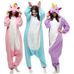 Les trois fameux pyjamas licorne